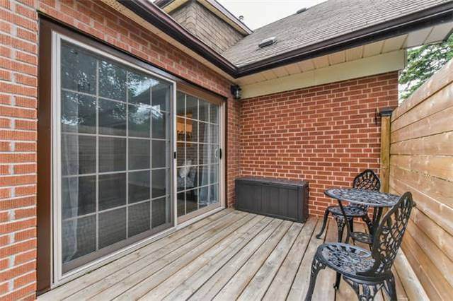 Detached at 468 Oakwood Dr, Pickering, Ontario. Image 9