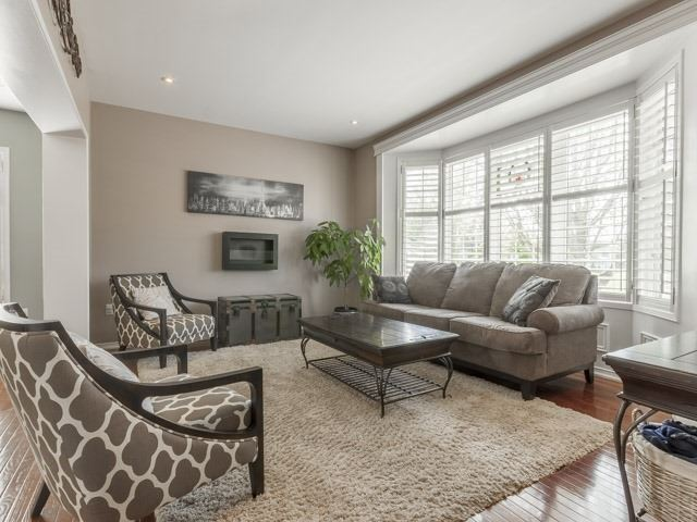 Detached at 857 Audley Rd S, Ajax, Ontario. Image 13