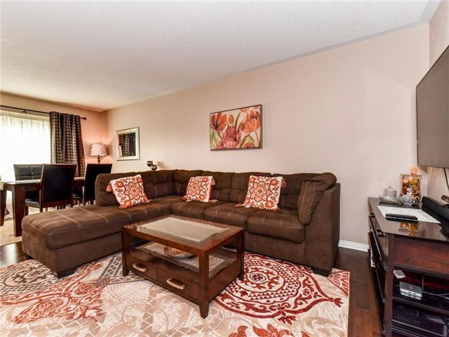 Townhouse at 1394 Glaspell Cres, Oshawa, Ontario. Image 3