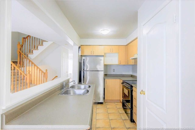 Townhouse at 926 Audley Rd S, Ajax, Ontario. Image 2
