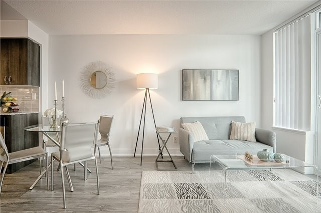 Condo Apartment at 1215 Bayly St, Unit 302, Pickering, Ontario. Image 16