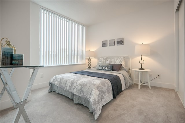 Condo Apartment at 1215 Bayly St, Unit 302, Pickering, Ontario. Image 18