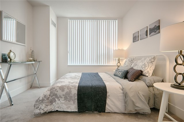 Condo Apartment at 1215 Bayly St, Unit 302, Pickering, Ontario. Image 19
