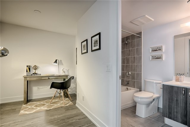 Condo Apartment at 1215 Bayly St, Unit 302, Pickering, Ontario. Image 2