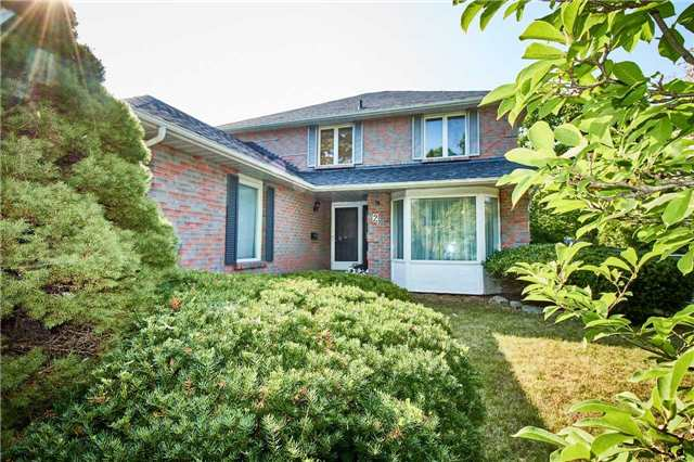 Detached at 2 Viceregal Crt, Whitby, Ontario. Image 8