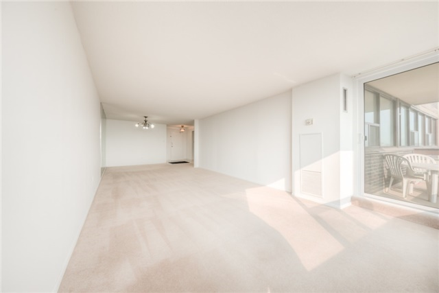 Condo Apartment at 55 Huntingdale Blvd, Unit 1503, Toronto, Ontario. Image 11