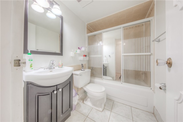 Condo Apartment at 55 Huntingdale Blvd, Unit 1503, Toronto, Ontario. Image 6