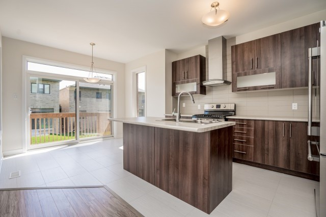 Townhouse at 57 Barrister Ave, Whitby, Ontario. Image 2