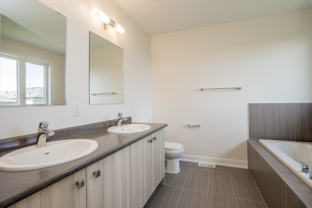 Townhouse at 57 Barrister Ave, Whitby, Ontario. Image 7