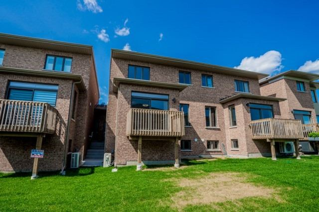 Townhouse at 57 Barrister Ave, Whitby, Ontario. Image 13