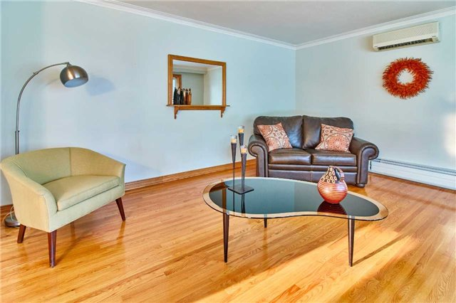 Detached at 204 Crawforth St, Whitby, Ontario. Image 12