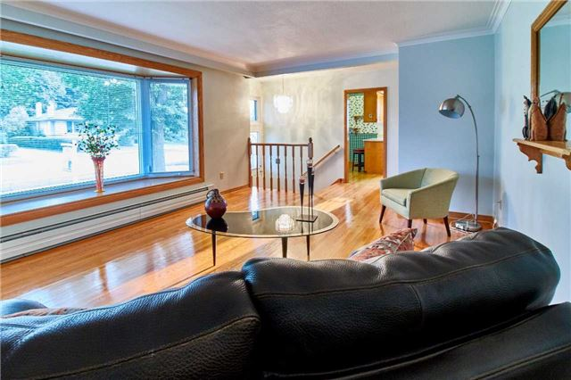 Detached at 204 Crawforth St, Whitby, Ontario. Image 13