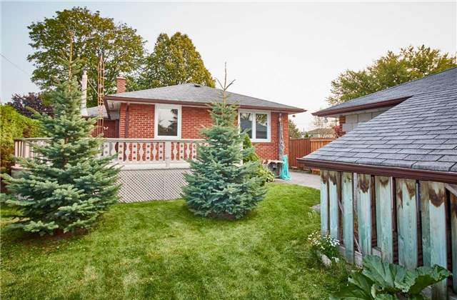 Detached at 204 Crawforth St, Whitby, Ontario. Image 9