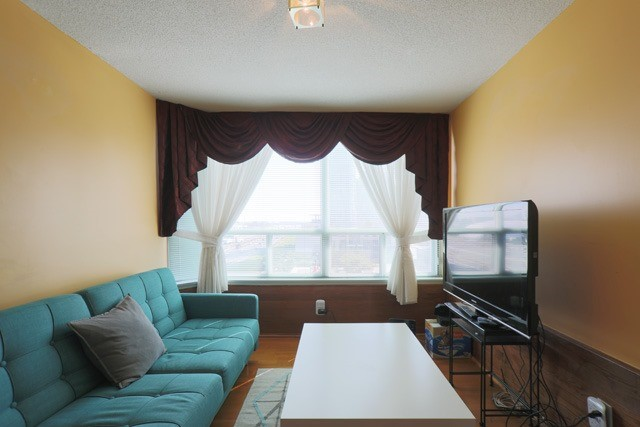 Condo Apartment at 88 Corporate Dr, Unit 617, Toronto, Ontario. Image 11