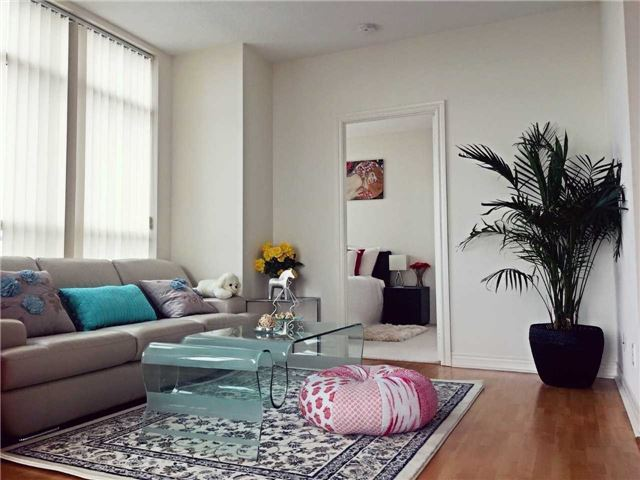 Condo Apartment at 60 Town Centre Crt, Unit Uph06, Toronto, Ontario. Image 14