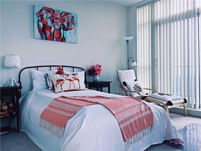 Condo Apartment at 60 Town Centre Crt, Unit Uph06, Toronto, Ontario. Image 3