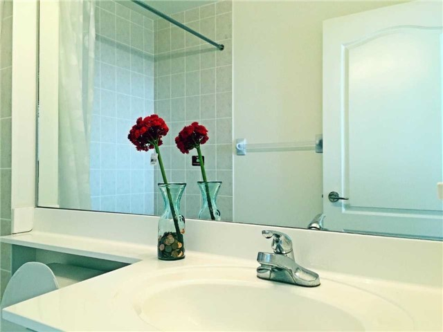 Condo Apartment at 60 Town Centre Crt, Unit Uph06, Toronto, Ontario. Image 7