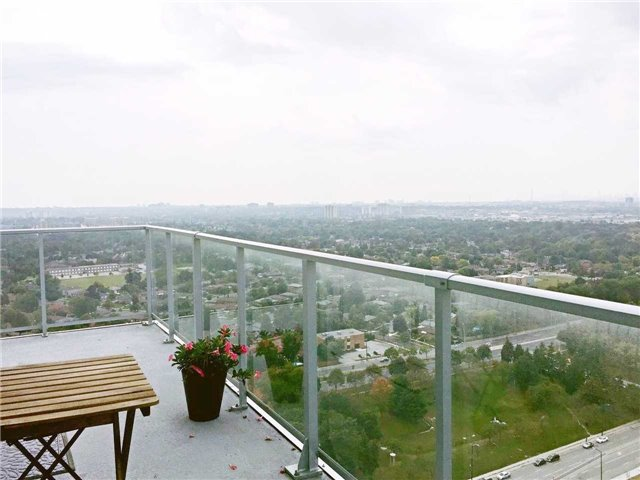 Condo Apartment at 60 Town Centre Crt, Unit Uph06, Toronto, Ontario. Image 10