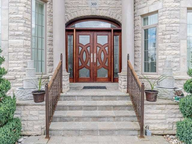 Detached at 369 Toynevale Rd, Pickering, Ontario. Image 12