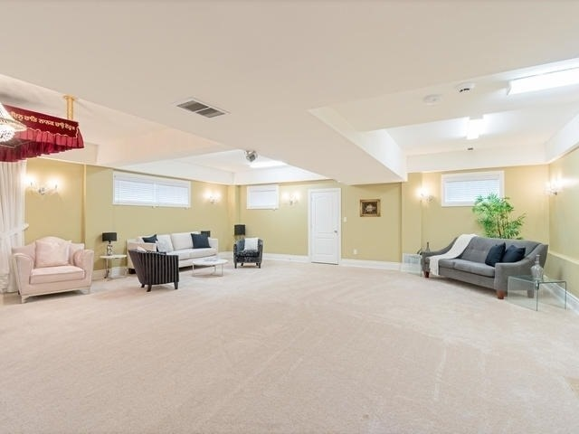 Detached at 369 Toynevale Rd, Pickering, Ontario. Image 11