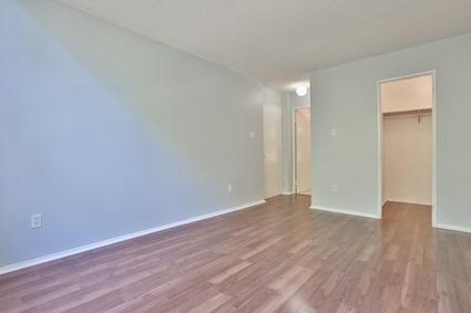Condo Apartment at 3050 Ellesmere Rd, Unit 108, Toronto, Ontario. Image 15