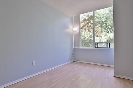 Condo Apartment at 3050 Ellesmere Rd, Unit 108, Toronto, Ontario. Image 17