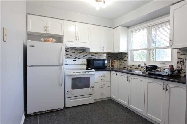 Condo Townhouse at 15 Guildwood Pkwy, Unit 47, Toronto, Ontario. Image 13