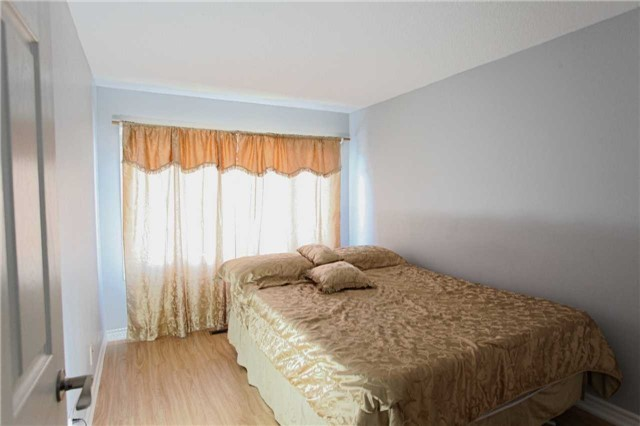 Condo Townhouse at 15 Guildwood Pkwy, Unit 47, Toronto, Ontario. Image 15