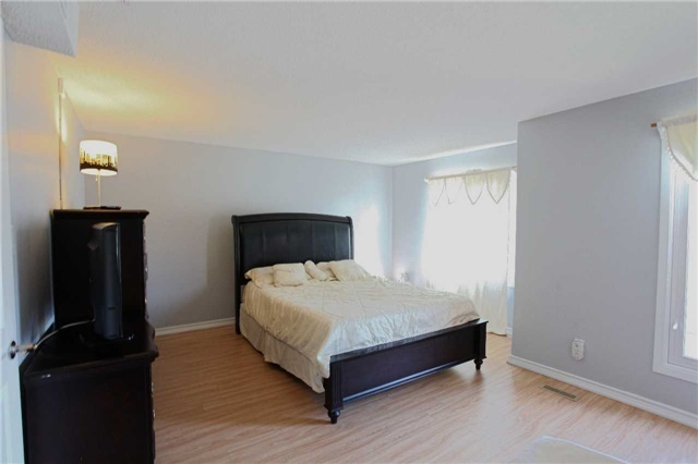 Condo Townhouse at 15 Guildwood Pkwy, Unit 47, Toronto, Ontario. Image 4