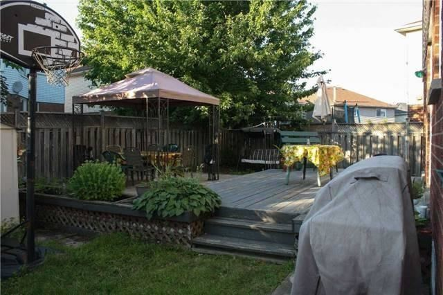 Detached at 1632 Pepperwood Gate, Pickering, Ontario. Image 11