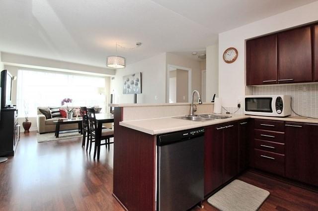 Condo Apartment at 38 Lee Centre Dr, Unit 1107, Toronto, Ontario. Image 14