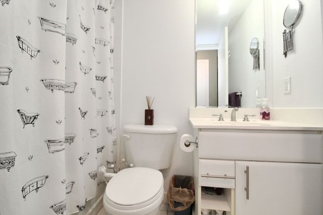Condo Apartment at 38 Lee Centre Dr, Unit 1107, Toronto, Ontario. Image 8