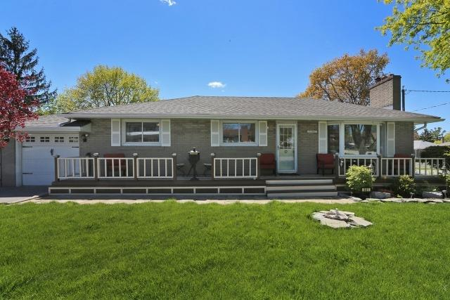 Detached at 601 Gilbert St W, Whitby, Ontario. Image 1