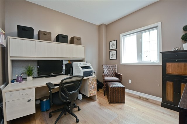 Detached at 1038 Mcquay Blvd, Whitby, Ontario. Image 18