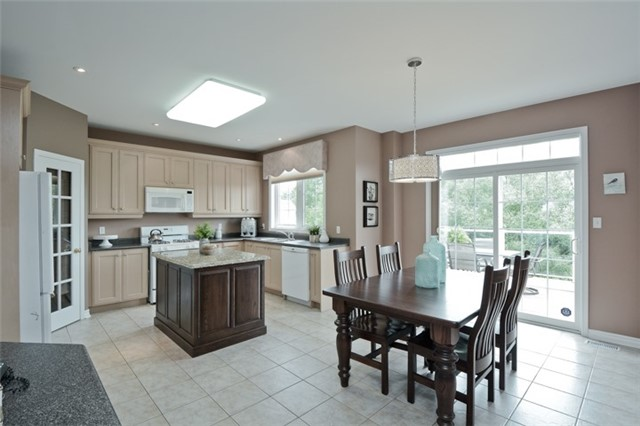 Detached at 1038 Mcquay Blvd, Whitby, Ontario. Image 19