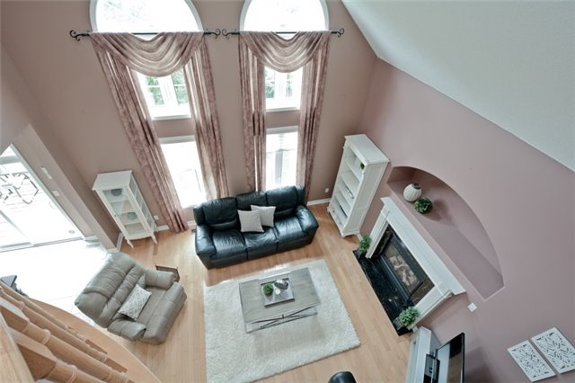 Detached at 1038 Mcquay Blvd, Whitby, Ontario. Image 4