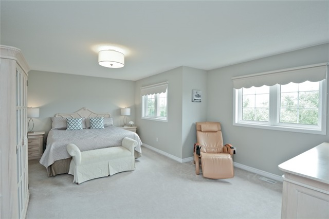 Detached at 1038 Mcquay Blvd, Whitby, Ontario. Image 5