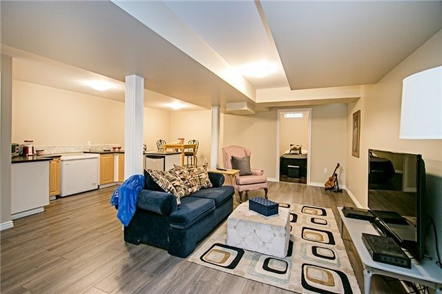 Detached at 43 Bourbon Pl, Whitby, Ontario. Image 10