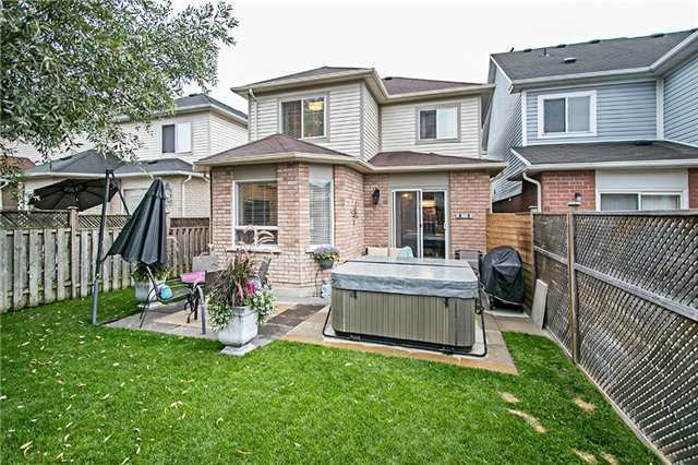 Detached at 43 Bourbon Pl, Whitby, Ontario. Image 11