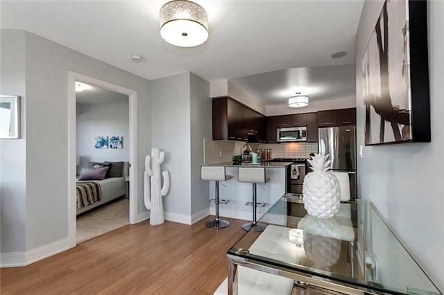 Condo Apartment at 135 Village Green Sq, Unit 1518, Toronto, Ontario. Image 18