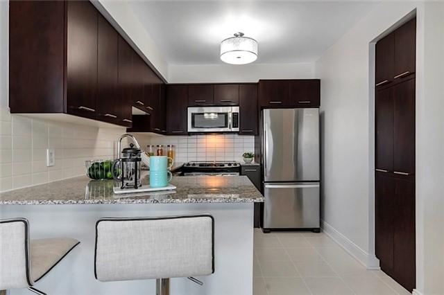 Condo Apartment at 135 Village Green Sq, Unit 1518, Toronto, Ontario. Image 2