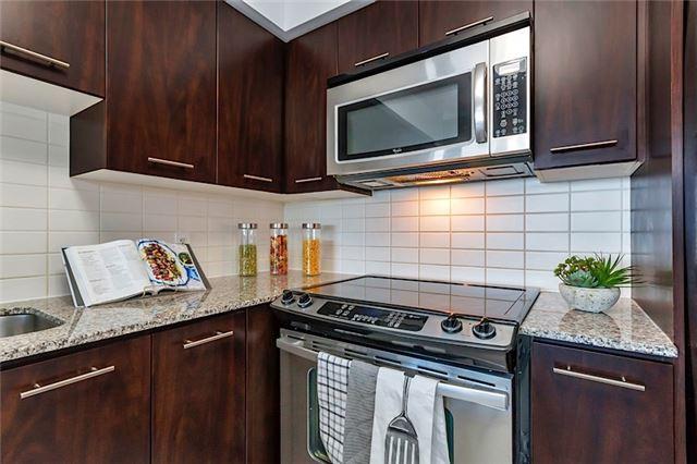 Condo Apartment at 135 Village Green Sq, Unit 1518, Toronto, Ontario. Image 4