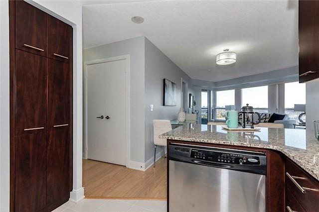 Condo Apartment at 135 Village Green Sq, Unit 1518, Toronto, Ontario. Image 5