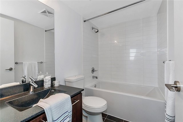 Condo Apartment at 135 Village Green Sq, Unit 1518, Toronto, Ontario. Image 10