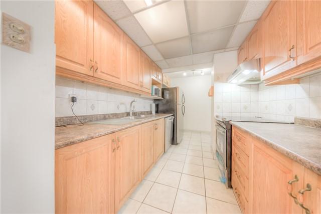 Condo Apartment at 55 Huntingdale Blvd, Unit 1503, Toronto, Ontario. Image 12