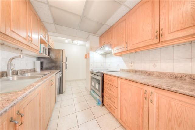 Condo Apartment at 55 Huntingdale Blvd, Unit 1503, Toronto, Ontario. Image 13