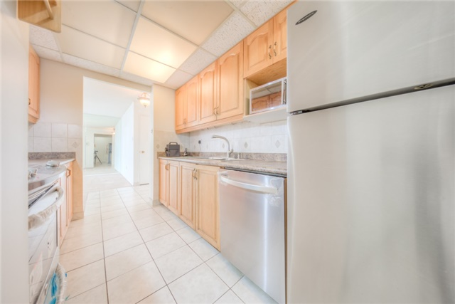 Condo Apartment at 55 Huntingdale Blvd, Unit 1503, Toronto, Ontario. Image 15