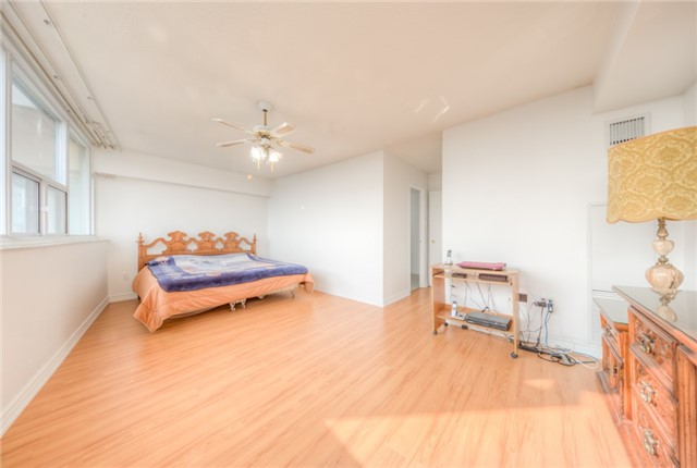 Condo Apartment at 55 Huntingdale Blvd, Unit 1503, Toronto, Ontario. Image 2