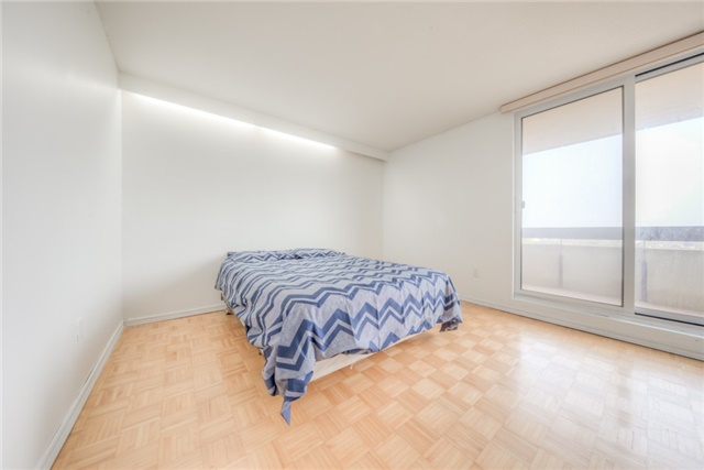 Condo Apartment at 55 Huntingdale Blvd, Unit 1503, Toronto, Ontario. Image 4