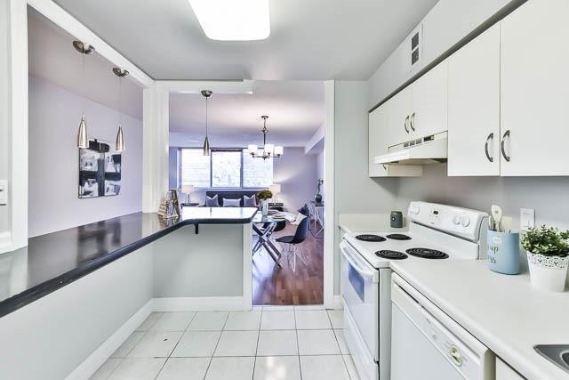 Condo Apartment at 1665 Victoria Park Ave, Unit 407, Toronto, Ontario. Image 12